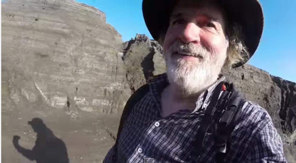 Il milionario esploratore a caccia di isole deserte