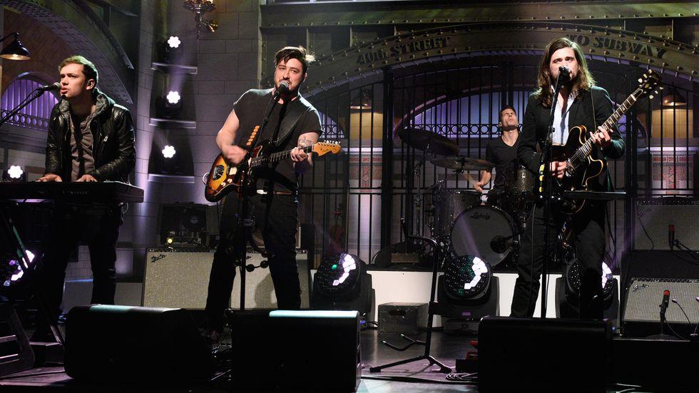 """Mumford & Sons: trionfo a """"Rock in Roma"""" - La recensione"""