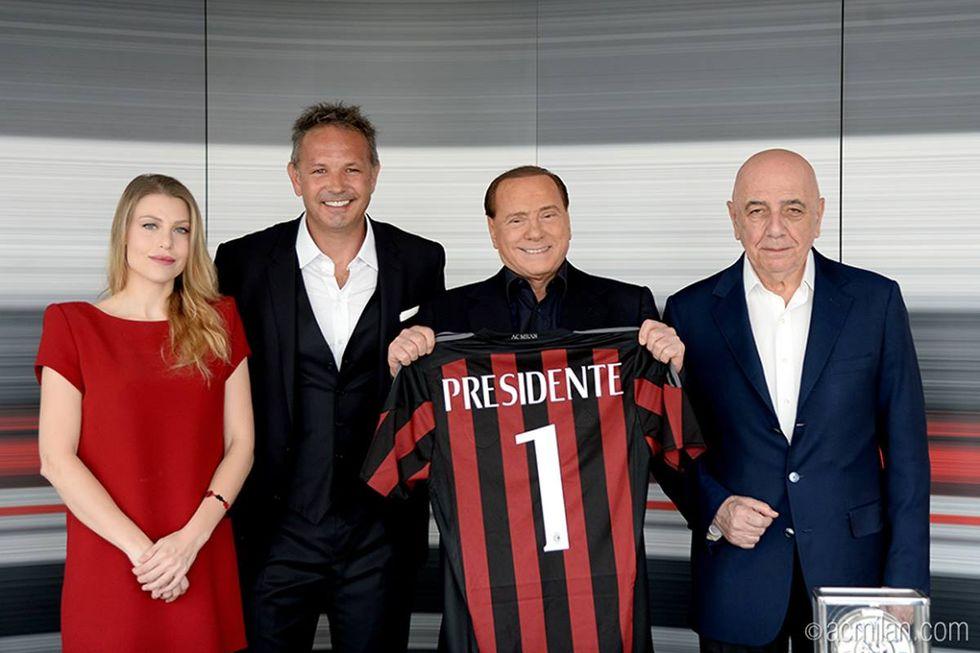 """Berlusconi presenta Mihajlovic: """"Il Milan riporterà i tifosi allo stadio"""""""