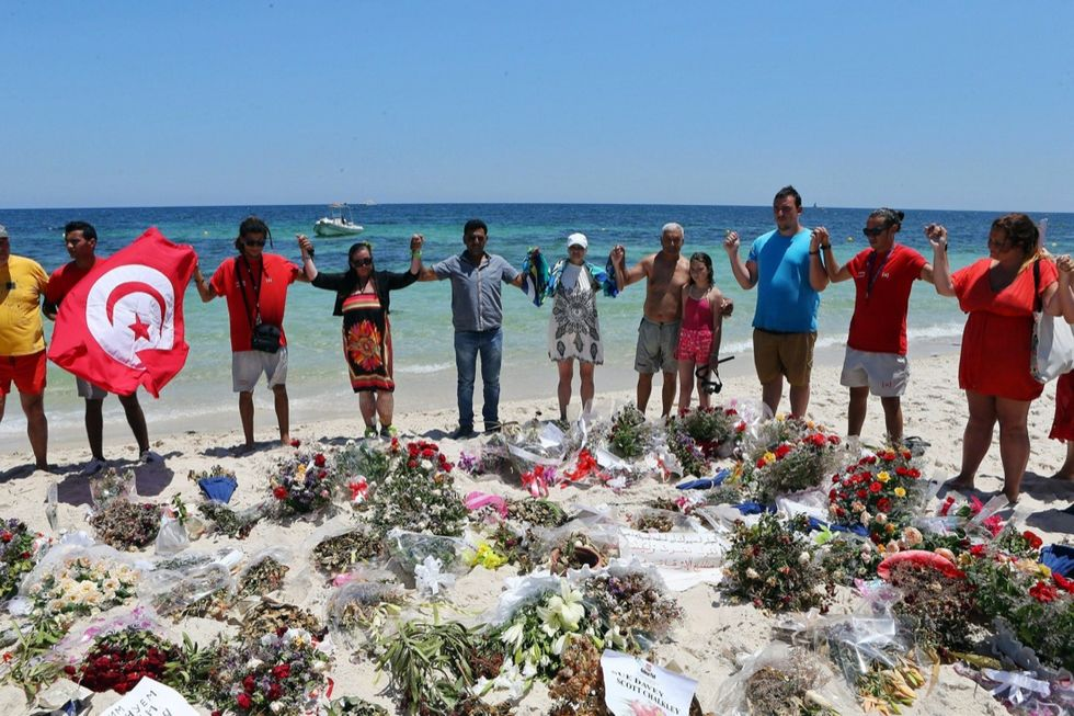 Tunisia, in silenzio per ricordare la strage