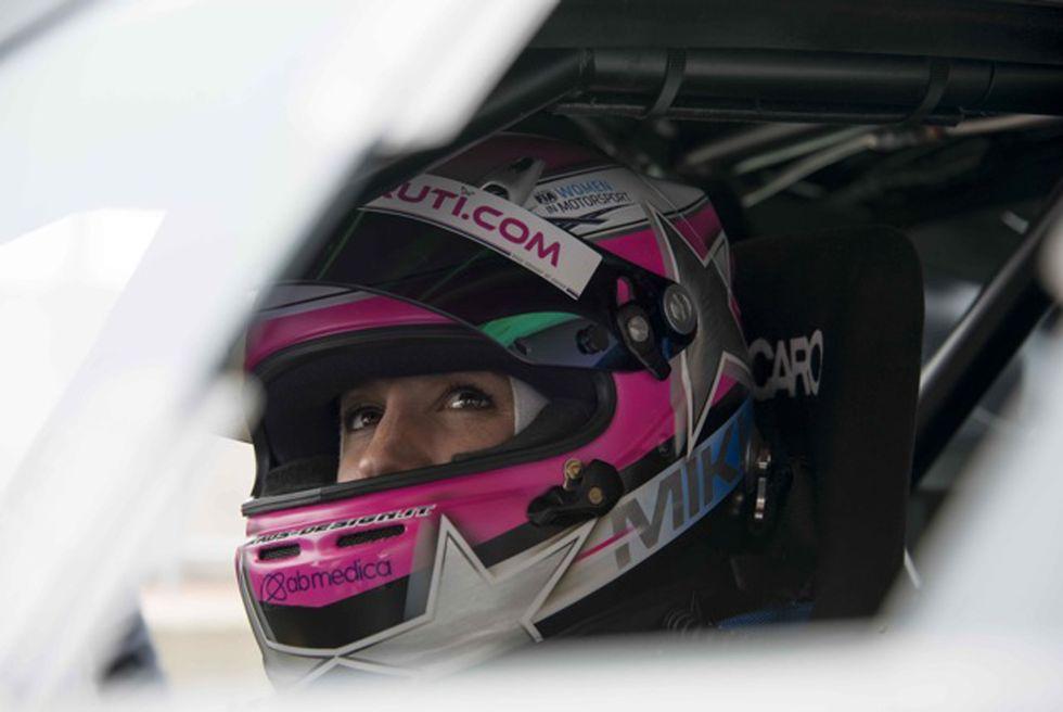 Michela Cerruti prima al Nurburgring... e prima donna dopo 39 anni
