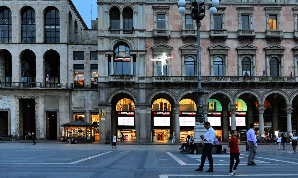 Marco Lodola Mondadori Store Milano