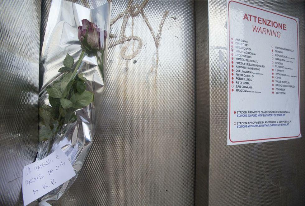 Roma, tre denunciati per la morte del bambino nella metro
