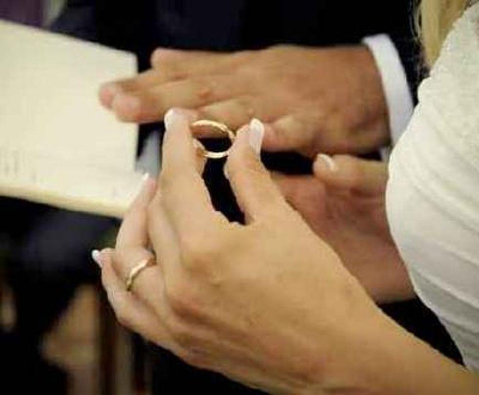 Sposa troppo brutta? Lo sposo le fa causa