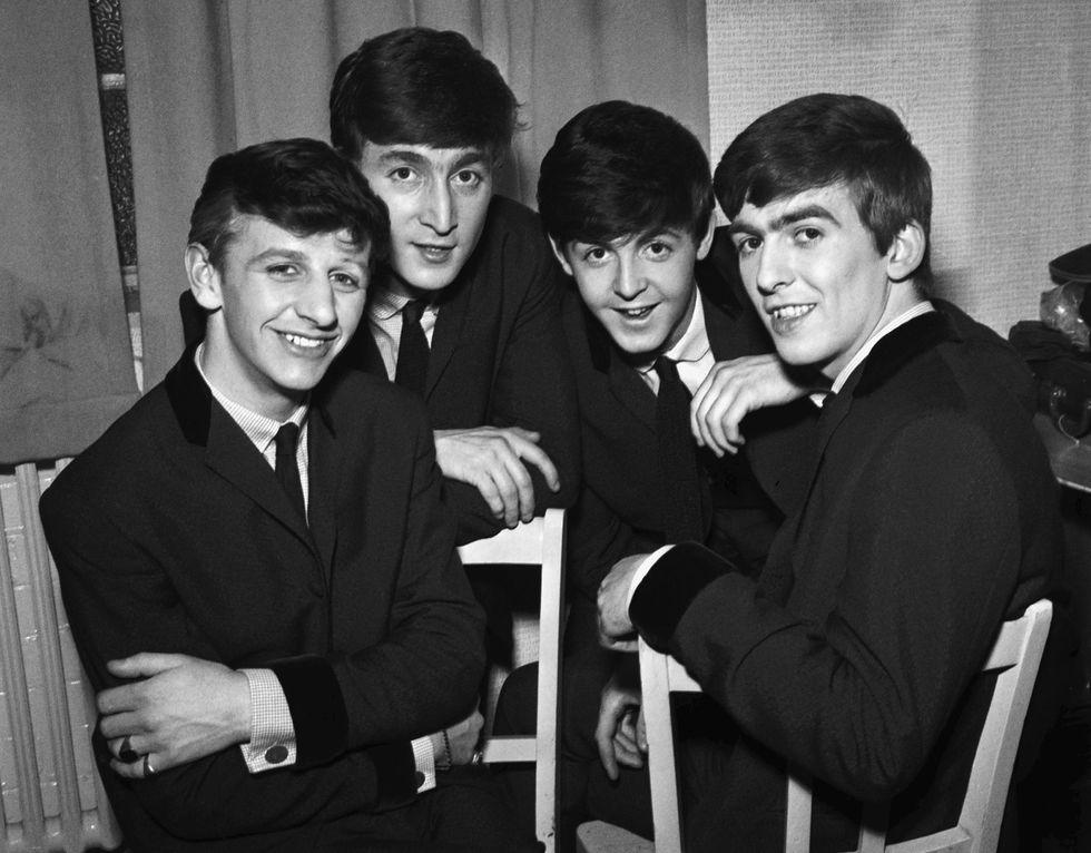 Beatles: all'asta il primo contratto del 1961