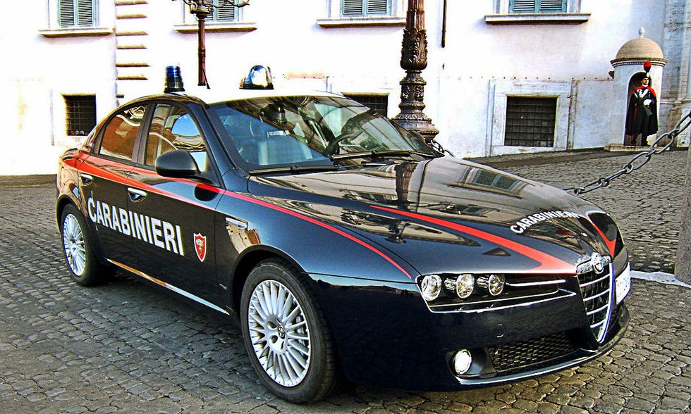 carabinieri-automobile