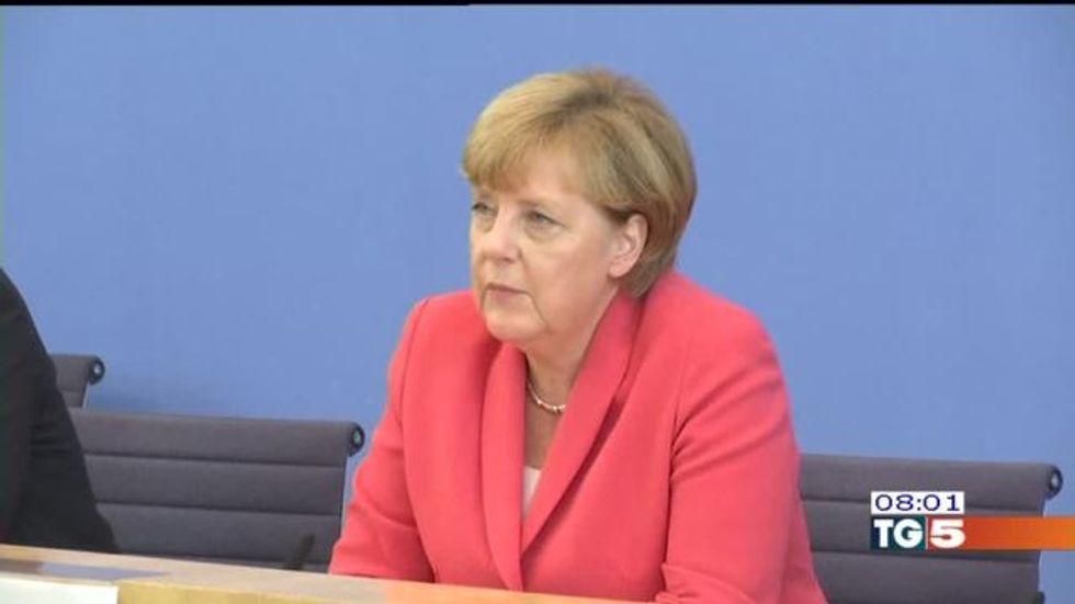 La Merkel tende una mano all'Italia: l'Europa deve aiutare