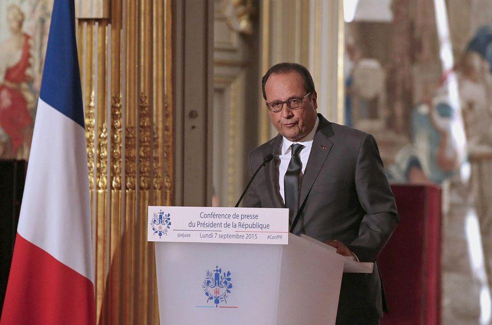 francois-hollande-francia-isis-rifugiati