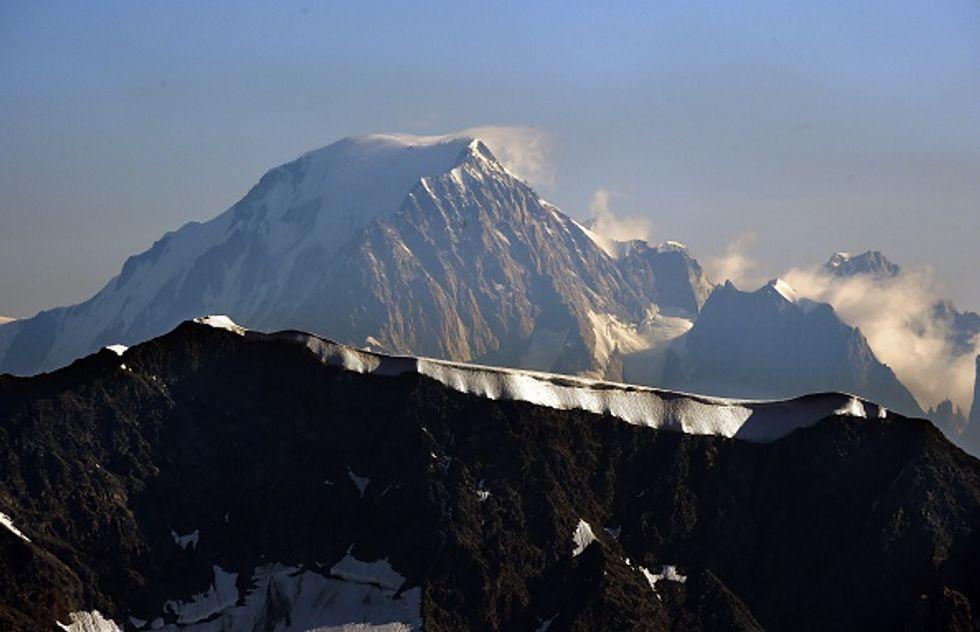 Italia e Francia litigano sul confine del Monte Bianco