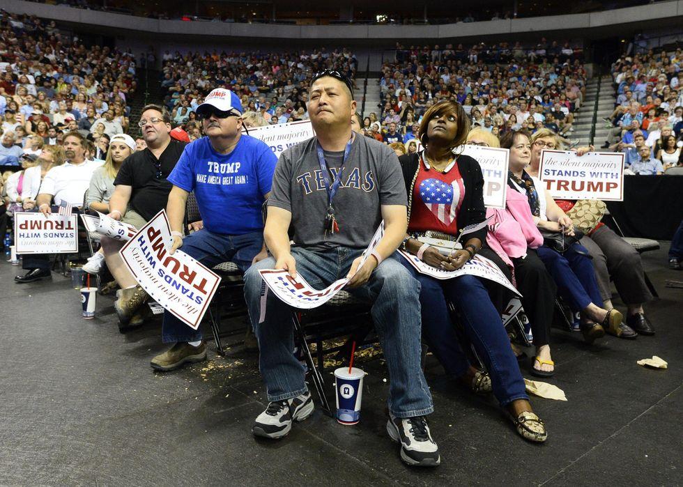 Usa 2016: scontri tra ispanici e sostenitori di Trump