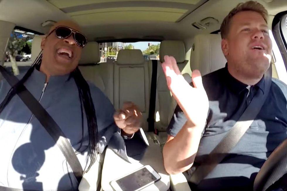 Stevie Wonder fa ridere e commuovere nel video con James Corden