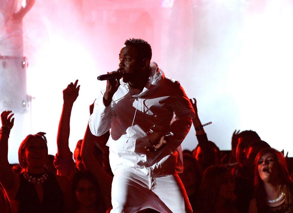"""Kendrick Lamar scrive una lettera a Tupac: """"Hai cambiato la mia vita per sempre"""""""