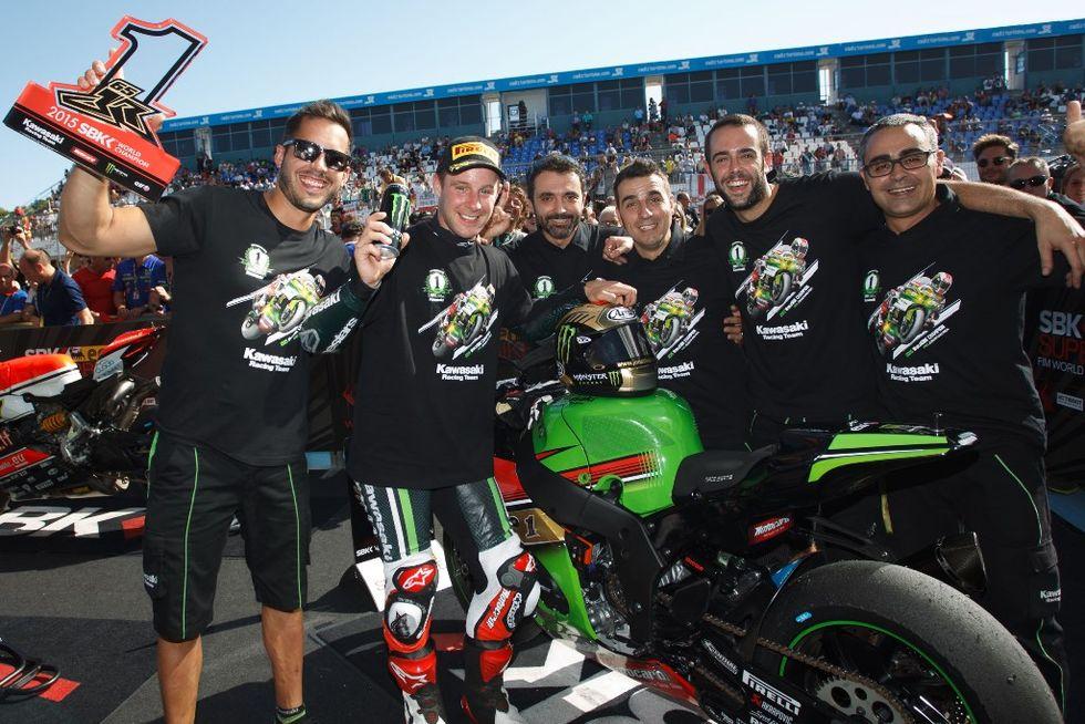 Jonathan Rea e squadra Kawasaki
