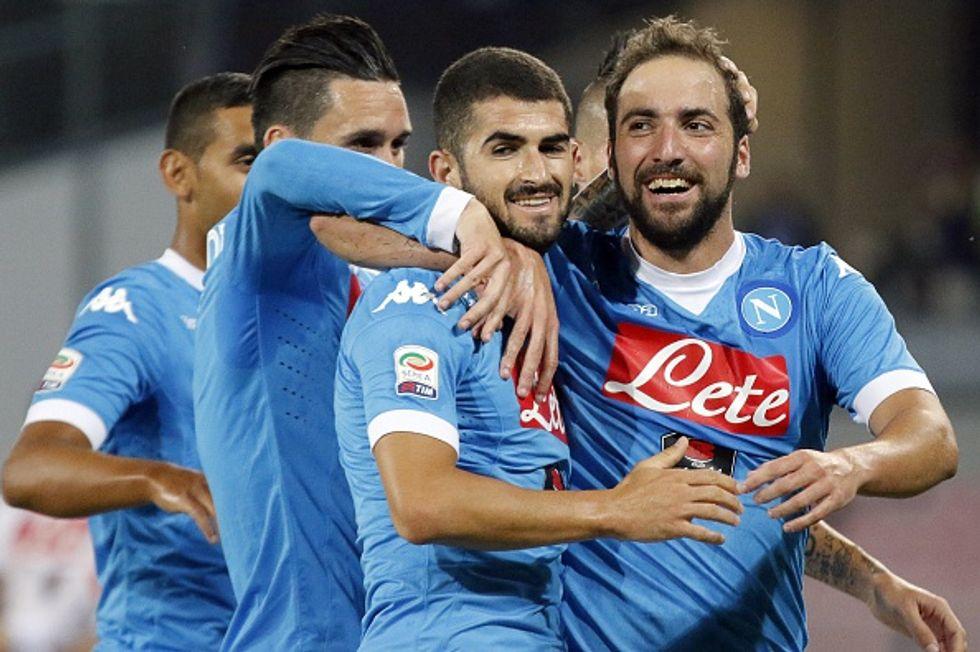 Napoli-Lazio 5-0: Higuain lancia la sfida all'Inter