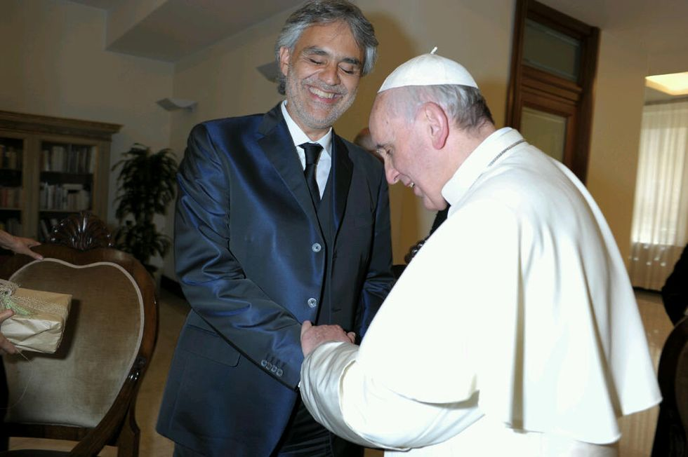 Papa Francesco: Bocelli e Aretha Franklin cantano per lui a Philadelphia