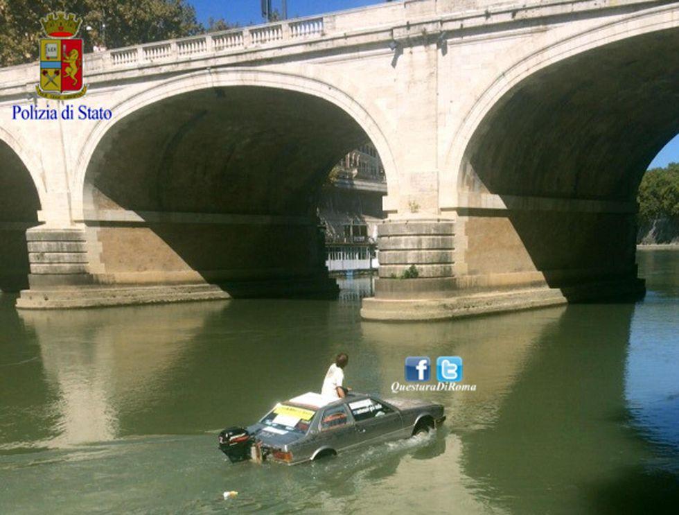 auto-barca Tevere
