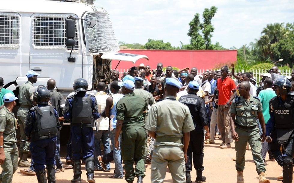 Rep. Centrafricana: scontri tra cristiani e musulmani, morti e maxi-evasione