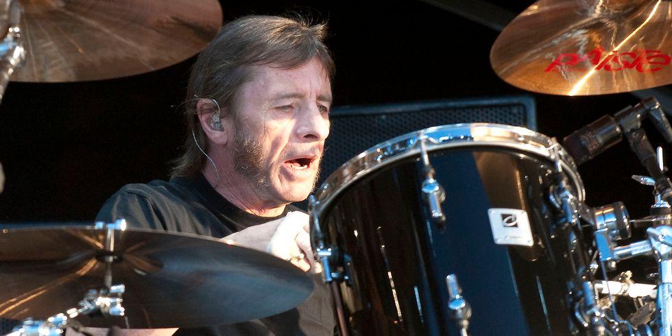 AC/DC: Phil Rudd rimane agli arresti domiciliari
