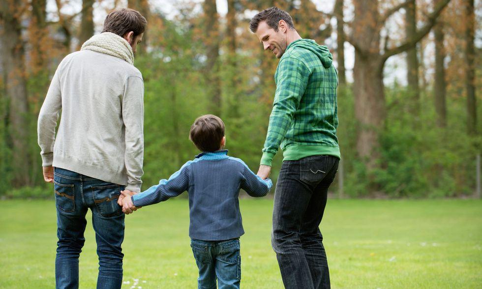 Una coppia gay con figlio