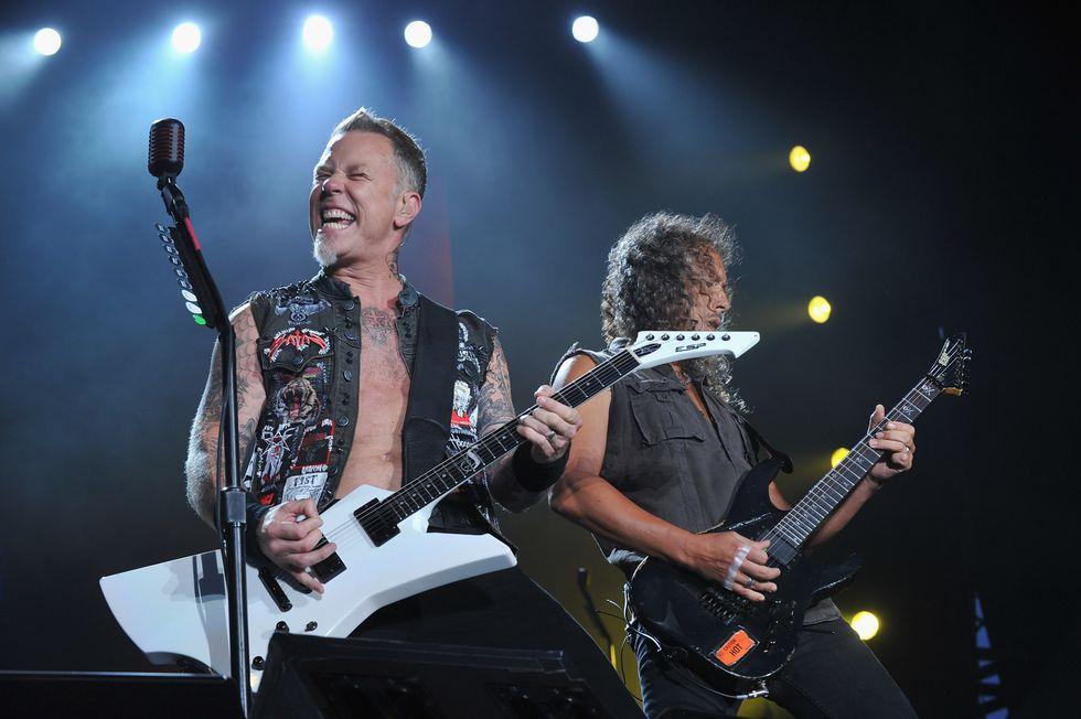 """Metallica: il nuovo singolo """"Atlas, Rise!"""" e una maschera per Halloween"""