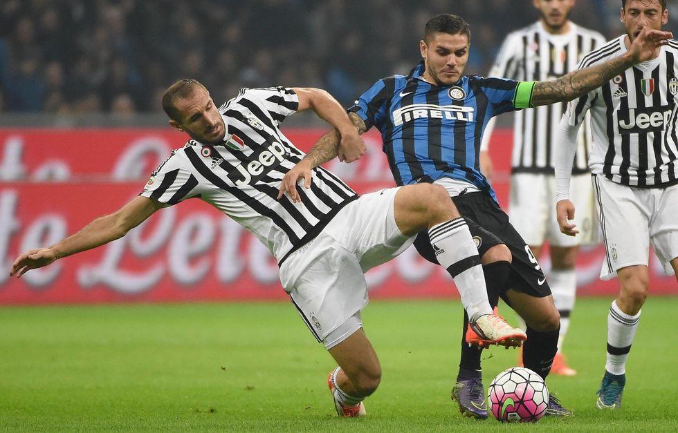 Inter - Juventus finisce 0-0, due legni e tanti ammoniti