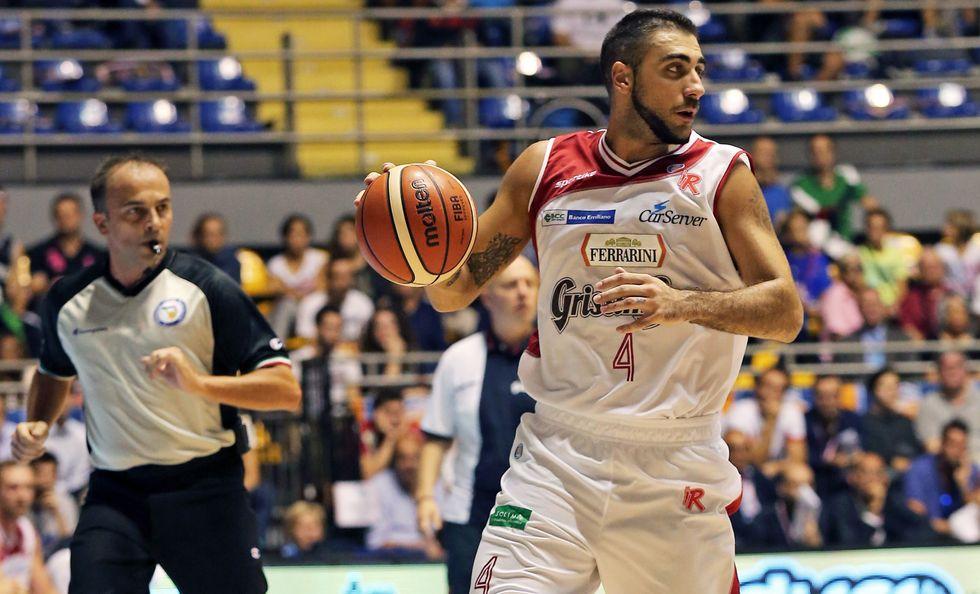 Basket: Reggio (in rimonta) capolista con la sorpresa Pistoia