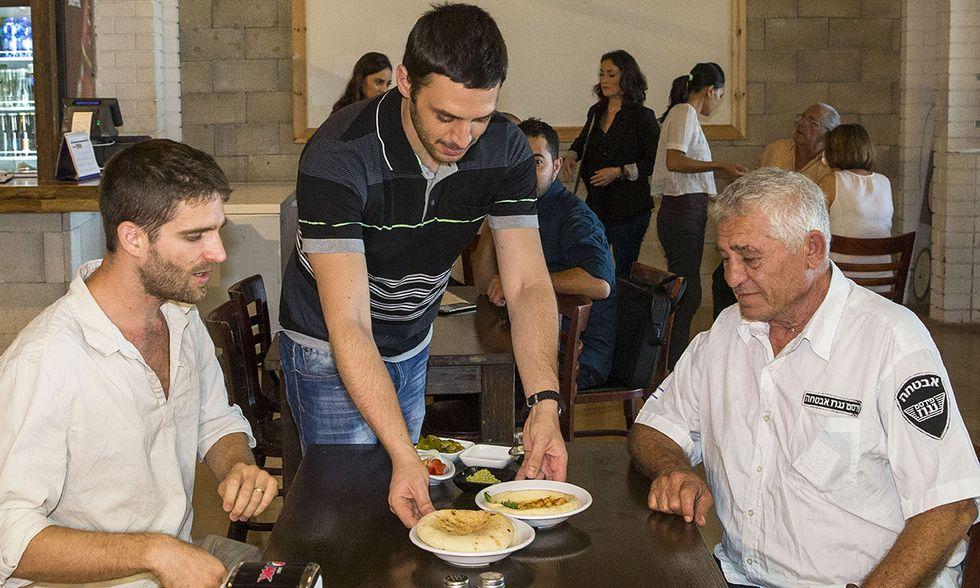 Hummus Bar di Kfar Vitkin