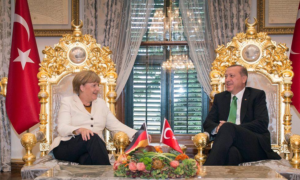 Migranti: le condizioni poste da Erdogan per dare una mano all'UE