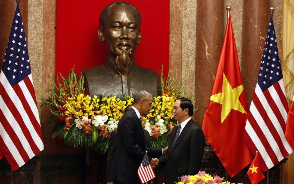 Dopo 50 anni, Obama revoca l'embargo delle armi al Vietnam