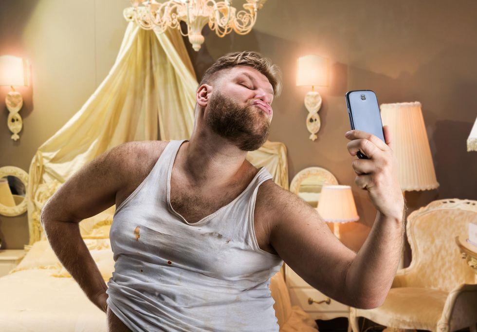 """Selfie addio: fanno sembrare """"più brutti"""""""
