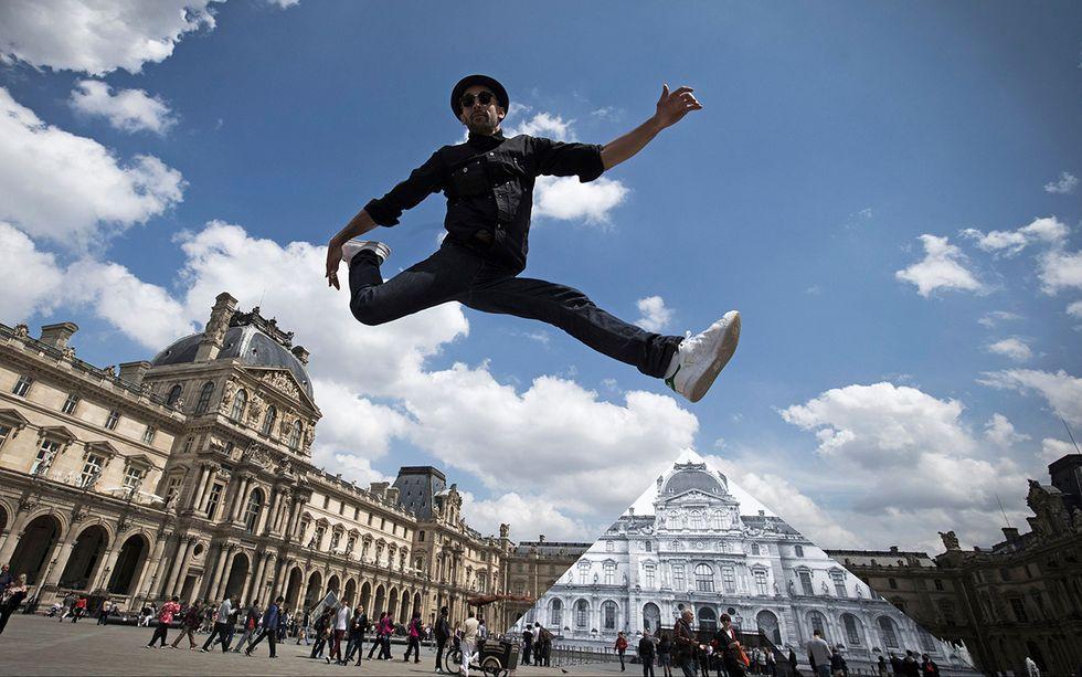 Contemporary art JR al Louvre