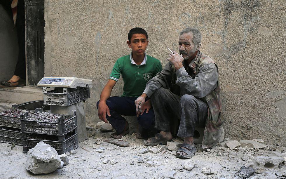 La guerra in Siria: bombardamenti su Aleppo