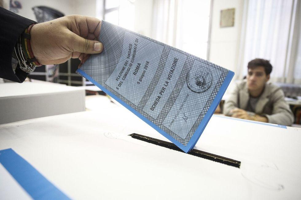 elezioni-comunali-2016-seggio