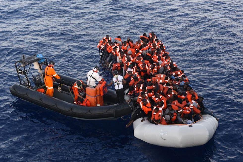 Migranti, sbarcati a Palermo in 592 con Medici senza Frontiere