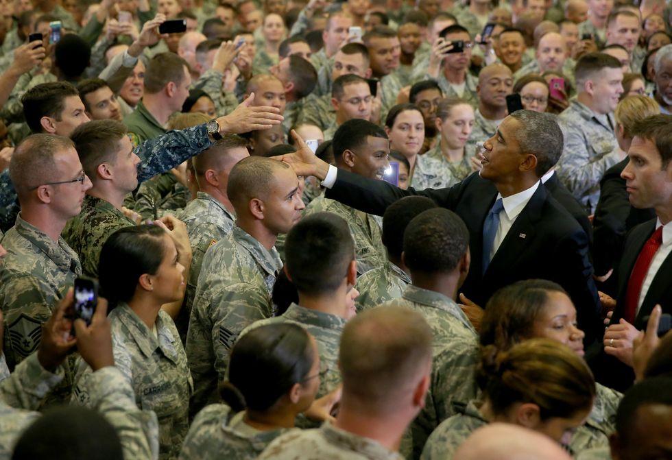 Obama-marines-tampa