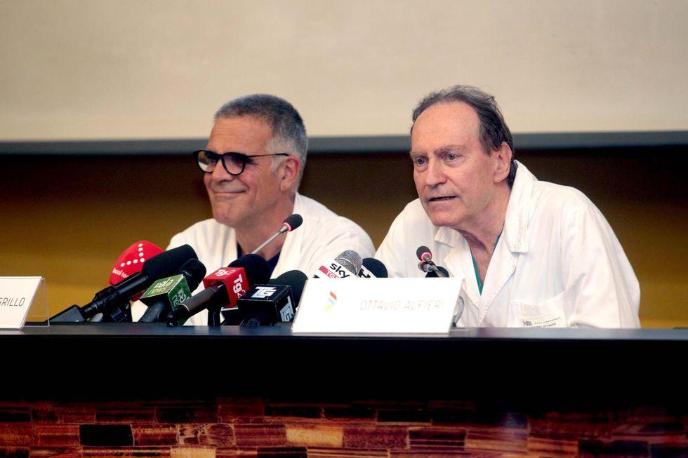 """I medici di Silvio Berlusconi: """"Lucido e in ottime condizioni"""""""