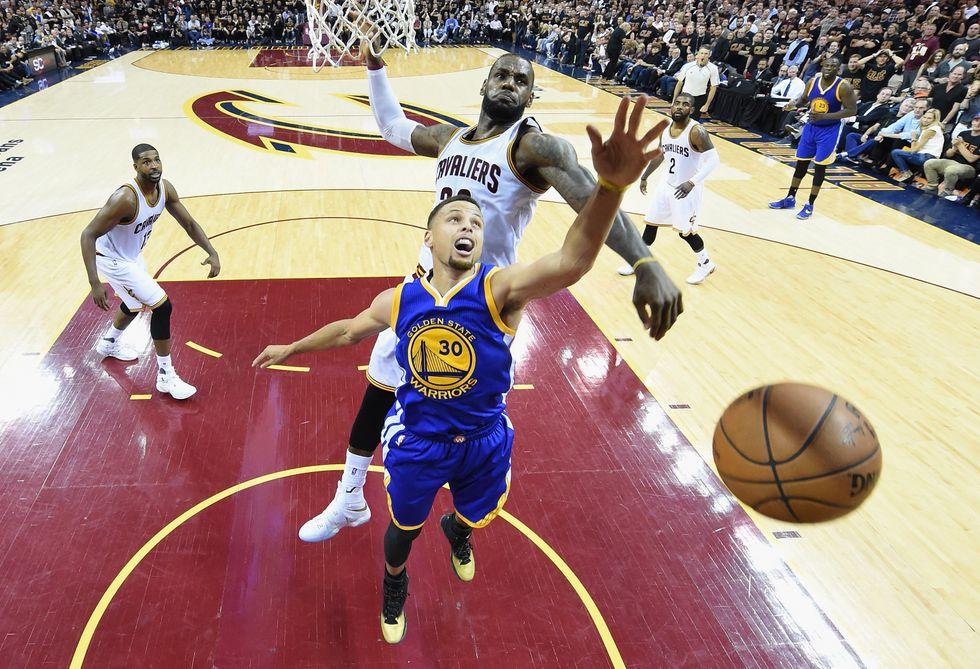 Nba Finals, LeBron James stellare: sarà gara 7 tra Cleveland e Golden State
