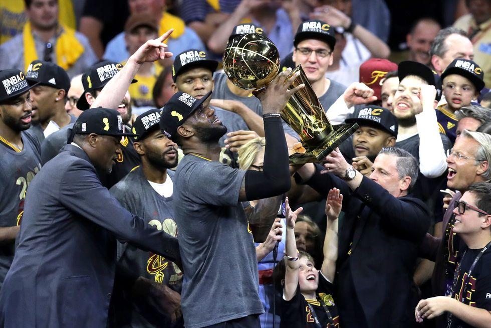 Nba Finals, Golden State al tappeto: il titolo è di Cleveland dopo 52 anni
