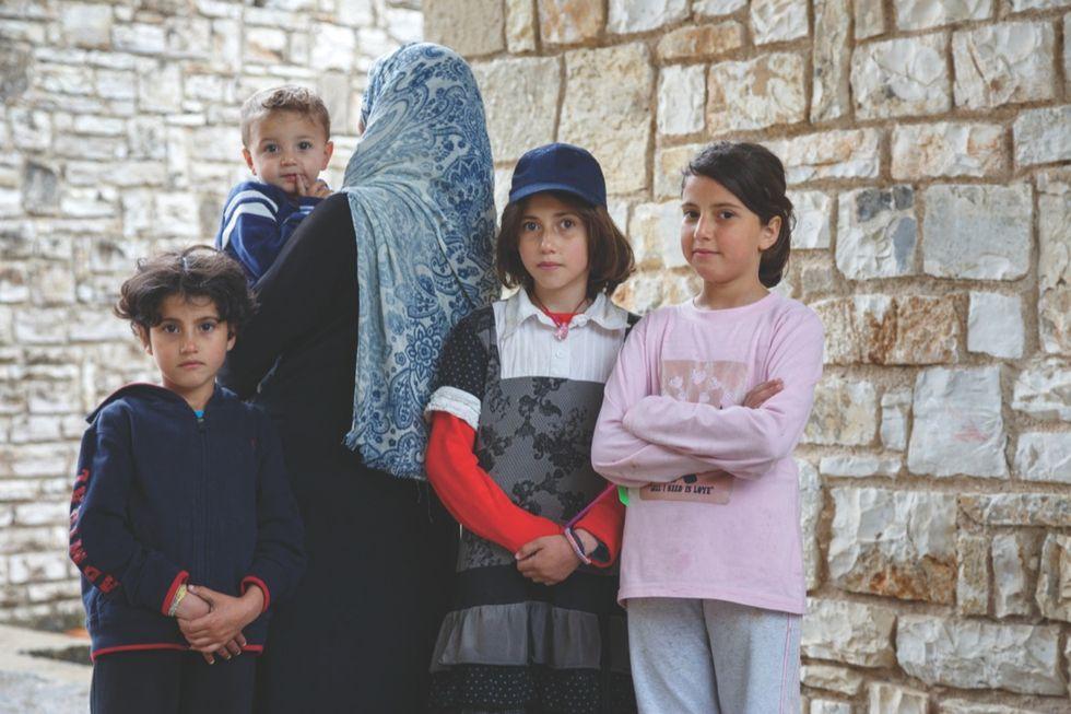 Oxfam: Profughi e minori, la grande fuga dai centri di accoglienza