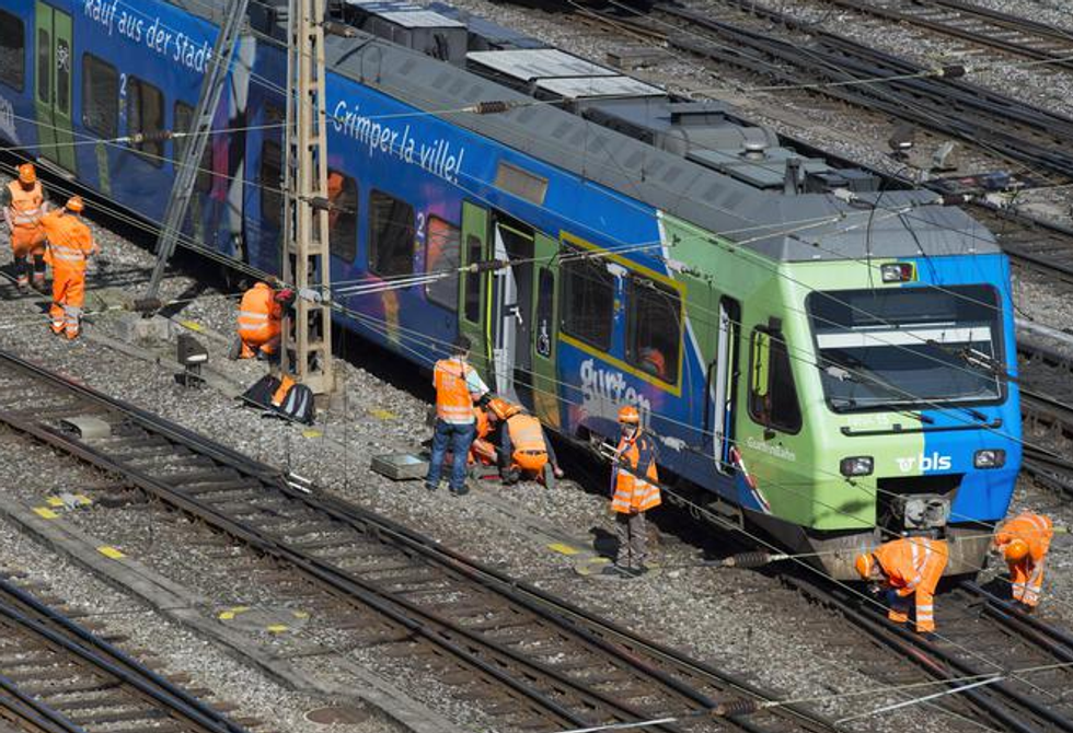 Svizzera, scontro tra treni: almeno 30 feriti