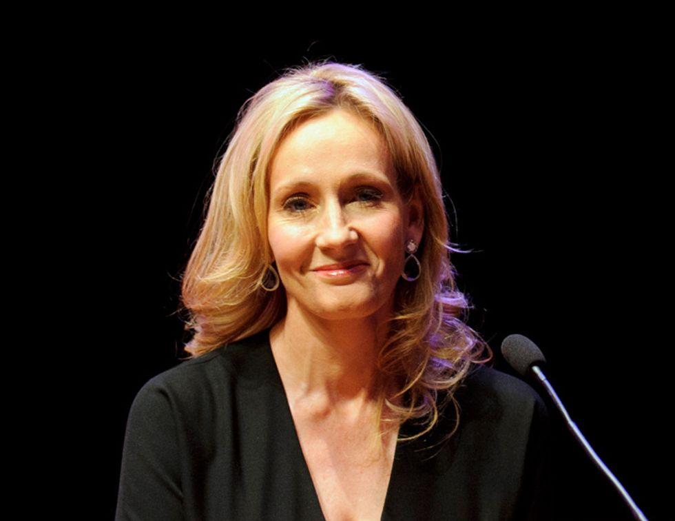 J.K. Rowling confessa: ho scritto un giallo sotto falso nome