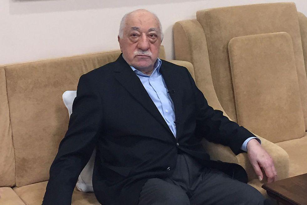 USA e Turchia: i legami tra Fethullah Gulen e Hillary Clinton