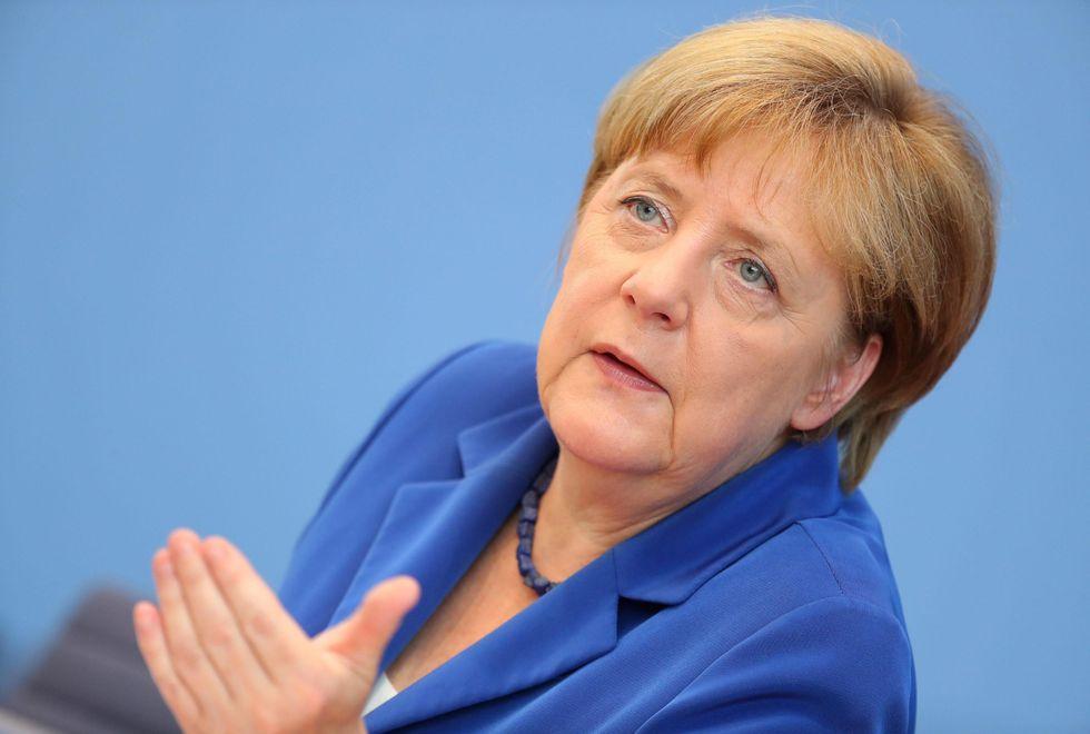 "Angela Merkel: ""In guerra contro l'Isis non contro l'Islam"""
