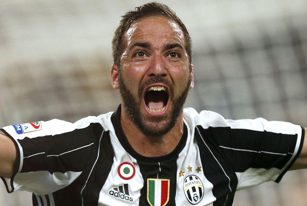 Serie A Juventus-Fiorentina gol Higuain