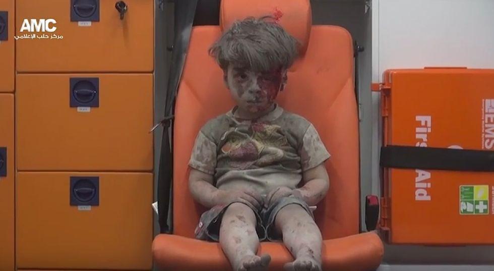 Aleppo, il dramma della Siria negli occhi di Omran - Foto e video