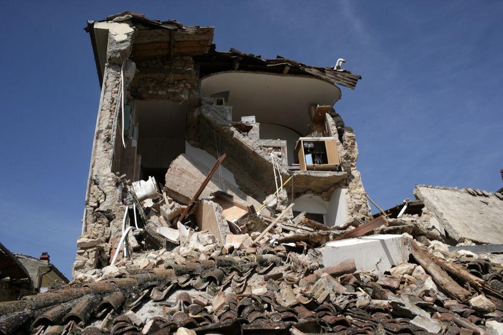 Terremoto in Centro Italia, migliaia di sfollati temono di finire come L'Aquila