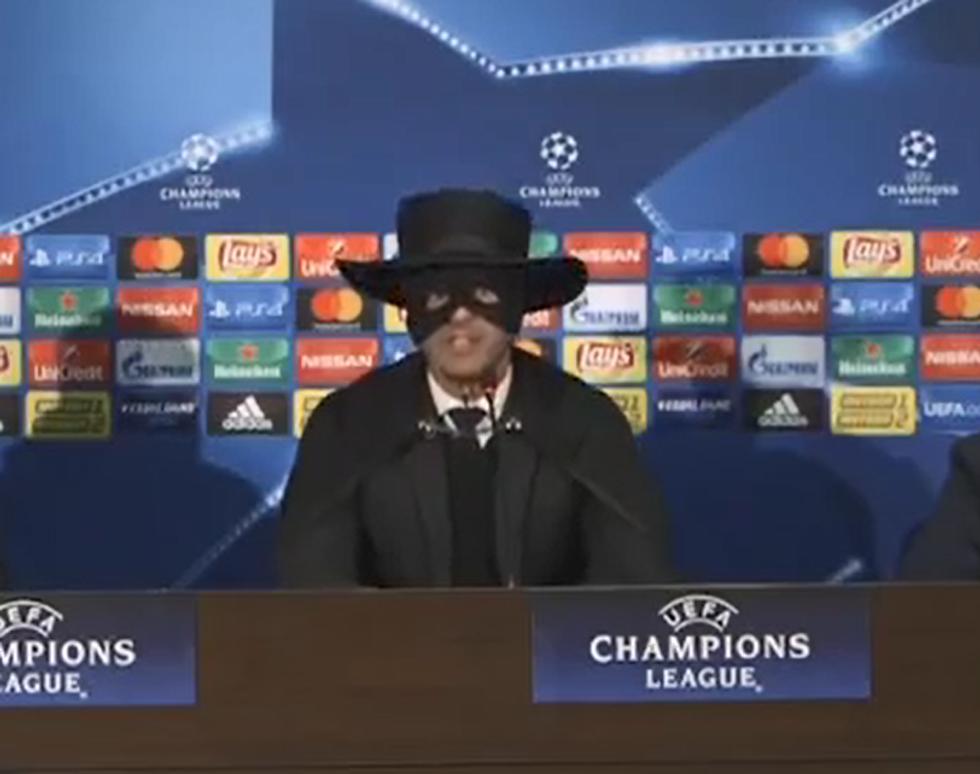 Quando Paulo Fonseca si travestì da Zorro in conferenza stampa I VIDEO