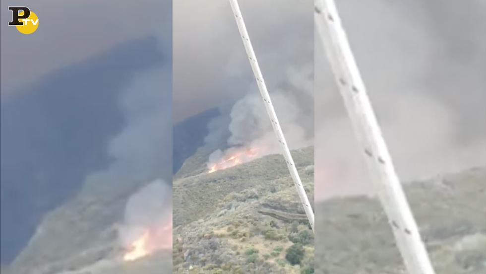eruzione Stromboli vulcano paura turisti video