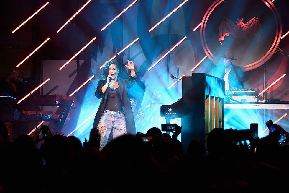 Alicia Keys: le cinque performance indimenticabili - Guarda i video