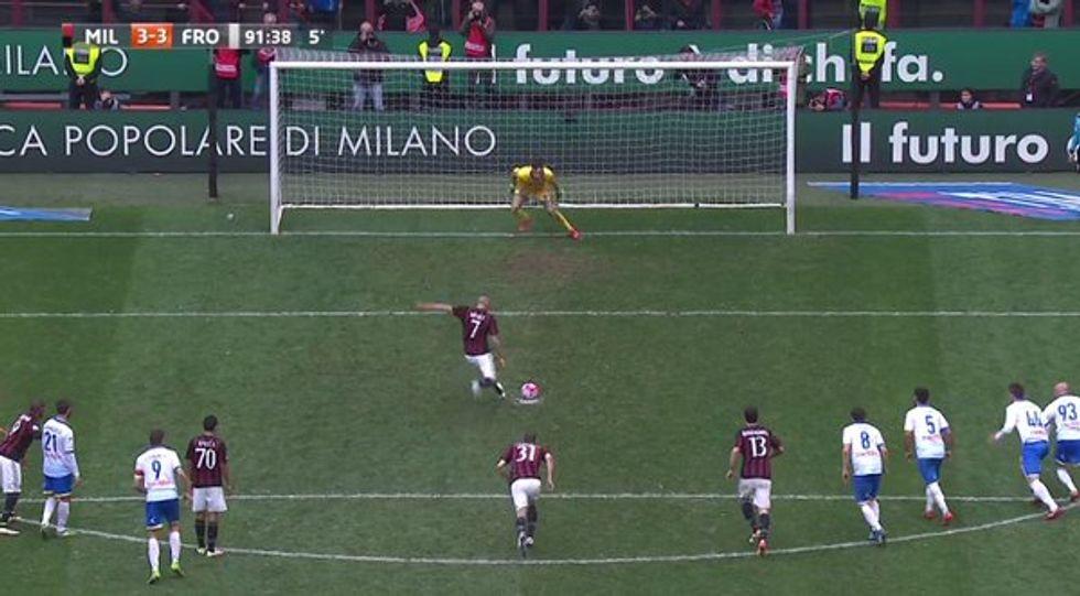 36a giornata - Milan, rigore generoso per pareggiare contro il Frosinone